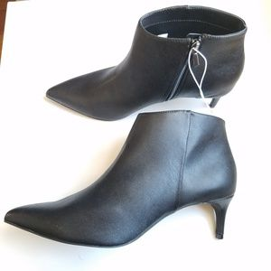 NWT Black Faux L;eather Pointed Bootie-12 wide